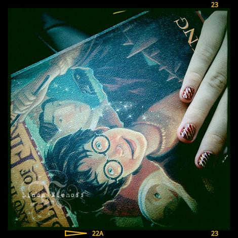 Gryffindor-manicure